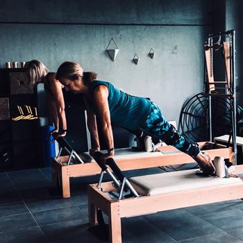 Reformer class pilates